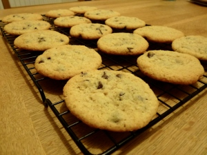 Coconut and chocolate chips cookies