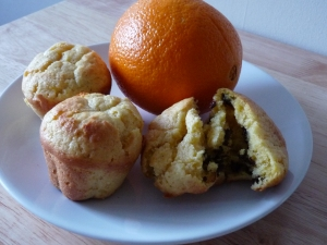 Orange and dark chocolate chips muffins